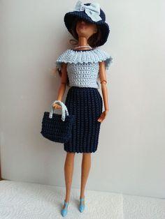 vêtement poupée mannequin Barbie (252)                              …