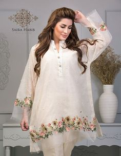 Saira Habib New Summer Luxury Eid Collection 2016 Full Catalog Beautiful Pakistani Dresses, Pakistani Dresses Casual, Pakistani Dress Design, Casual Dresses, Stylish Dresses For Girls, Stylish Dress Designs, Designs For Dresses, Pakistani Fashion Party Wear, Indian Fashion Dresses