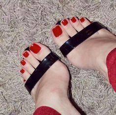 #pretty #feet #polish #toes #footfetish