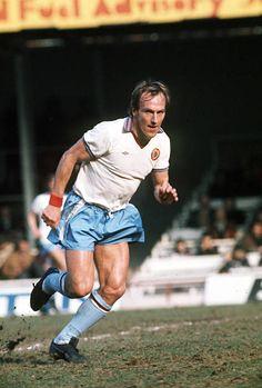 Football Shirts, Football Players, Aston Villa Players, Aston Villa Fc, Super Club, 1970s Childhood, Stock Pictures, First World, Running