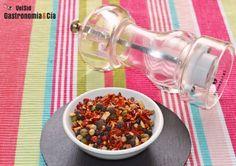Cómo preparar un molinillo con especias picantes