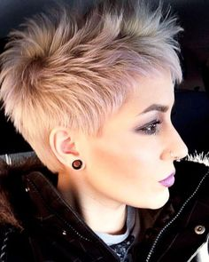 38 Short Pixie Haircuts for Thick Hair – Get Your Inspiration for 2019 – Short Pixie Cuts - Coole Kurzhaarfrisuren Short Blonde Pixie, Pixie Haircut For Thick Hair, Short Hairstyles For Thick Hair, Very Short Hair, Pixie Hairstyles, Short Hair Cuts, Short Hair Styles, Pixie Cuts, Hairstyles 2018