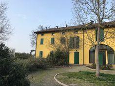 Prestigiosa porzione di rustico in vendita nelle adiacenze del golf club Matilde di Canossa di RE.  Per info Mazzi Case 3482207040