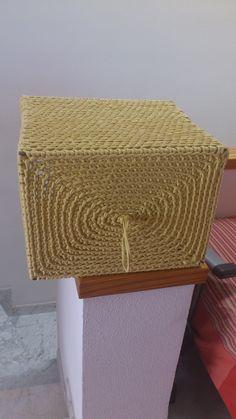 Caja trapillo mostaza, base terminandola.