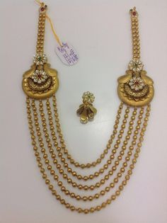 How To Clean Gold Jewelry With Baking Soda Gold Wedding Jewelry, Clean Gold Jewelry, Gold Ring Designs, Gold Jewellery Design, Designer Jewelry, Urban Jewelry, Indian Jewelry Sets, Gold Bangle Bracelet, Gold Necklace