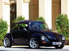 German look Fusca German Look, Custom Vw Bug, Vw Super Beetle, Rodan And Fields Reverse, Hot Vw, Bug Car, Even Skin Tone, Vw Beetles, Future Car