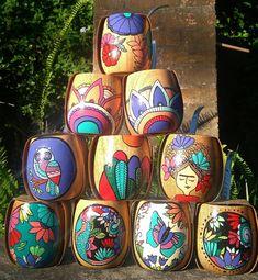 Capadoccia - Mate pintado Flower Pot Crafts, Clay Pot Crafts, Diy And Crafts, Arts And Crafts, Painted Clay Pots, Painted Flower Pots, Pottery Painting, Painting On Wood, Pop Bottle Crafts