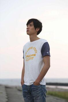 "[Trailer, Ep.1] https://www.youtube.com/watch?v=bn-lp9i8pbE [Trailer] https://www.youtube.com/watch?v=eQq07sMbhJ4 Sota Fukushi, Tsubasa Honda, Shuhei Nomura, Sakurako Ohara, Taiga. J drama series ""Koinaka (Love Relationship (working & literal title)), starts on 07/20/'15 [Plot in Eng.] http://asianwiki.com/Koinaka"