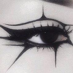 witch aesthetic makeup Eye liner Makeup inspiration face paint tribal gothic geometric starburst pattern G O D G A V E Makeup Eye Looks, Eye Makeup Art, No Eyeliner Makeup, Makeup Inspo, Makeup Inspiration, Makeup Style, Eyeliner Ideas, Emo Eyeliner, Eyeliner Tutorial