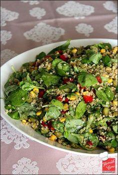 Purslane Salad with Bulgur Quinoa Salat, Turkish Kitchen, Appetizer Salads, Iftar, Turkish Recipes, Avocado, Fresco, Vegetable Dishes, Salad Recipes