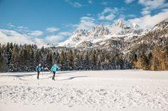 Wohl eine der schönsten Loipen in der Region St. Johann in Tirol - Oberndorf - Kirchdorf - Erfpendorf! Tours, Kirchen, Mount Rainier, Mount Everest, Mountains, Nature, Travel, Winter Scenery, Hiking