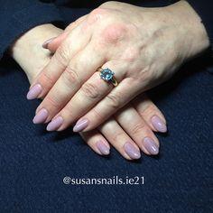 Gel nails - mauve glitter
