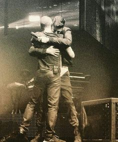 Chester and Austin In Loving Memory, My Memory, Linkin Park Chester, Austin Carlile, Mike Shinoda, Chester Bennington, Beautiful Soul, My Favorite Music, Eminem