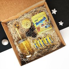 Birthday box sorprise diy care packages Ideas for 2019 Diy Gift Baskets, Christmas Gift Baskets, Christmas Gift Box, Homemade Christmas Gifts, Xmas Gifts, Homemade Gifts, Cute Birthday Gift, Birthday Box, Friend Birthday Gifts