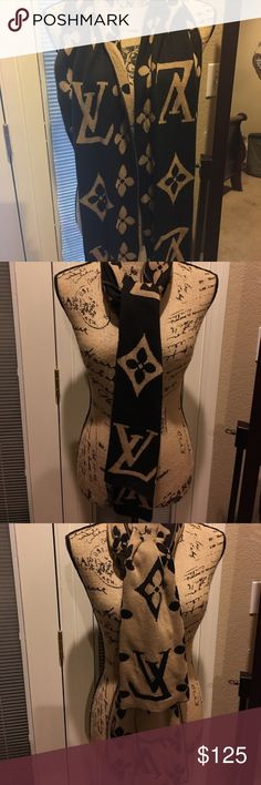 Scarf Good condition and good quality Louis Vuitton Accessories Scarves & Wraps