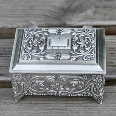 Pewter plated flower engraved metal jewellery box, zinc alloy trinket gift box, nice jewellery case