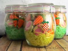 Mini Easter cookies in a jar. Cute!!