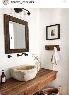 Country powder room - la luxury homes Rustic Bathroom Decor, Diy Home Decor Bedroom, Bathroom Styling, Bathroom Interior Design, Rustic Powder Room, Rustic Room, Powder Room Design, Bathroom Goals, Interior Exterior
