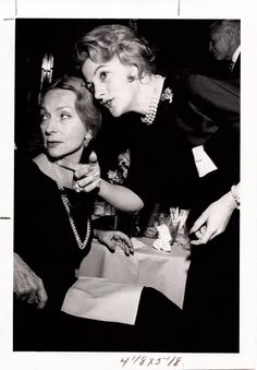 Agnes Moorehead and JOan Fontaine