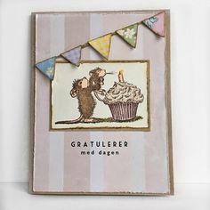 Håndlaget bursdagskort med et lekent motiv med mus.
