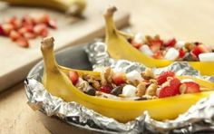 Grilled Bananas with Sweet Toppings // How does this look? #summer #dessert #grill #recipe