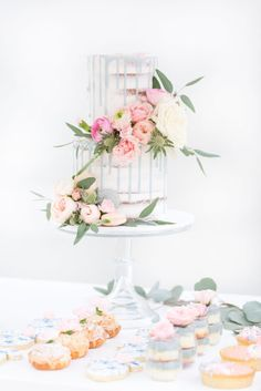 See Why This French Inspired Shower is Extra Sweet- French Garden Inspired Baby Shower Baby Shower Cakes, Baby Shower Themes, Baby Boy Shower, Baby Shower Decorations, Shower Ideas, French Bridal Showers, Parisian Baby Showers, Garden Baby Showers, Beautiful Baby Shower