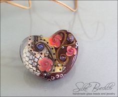1 handmade lampwork bead focal -- SRA -- glass -- Silke Buechler -- Calypsos Beads -- Valentine Heart No. 7