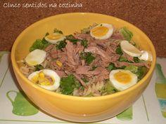 Cinco sentidos na cozinha: Salada fria de massa com filetes de atum em azeite...