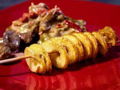 Fläskfilégryta med stekta grönsaker, örter och vitt vin. Serveras med en extra roliga variant av pommes.