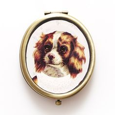 Vintage Dog Compact Mirror | Gifts for Dog Lovers - giftsforanimallovers.co.uk