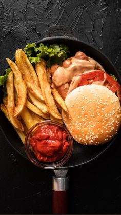 Eating Fast, Healthy Eating, Healthy Food, Hamburger And Fries, Crock Pot Food, Indian Food Recipes, Ethnic Recipes, Most Delicious Recipe, Delicious Burgers