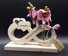 Infinite loop infinity sign wedding gift wedding gift from . - Infinite loop infinity sign wedding gift wooden wedding gift with name and wedding date lettering a - Wedding Tags, Wedding Frames, Diy Wedding, Wedding Gifts, Wedding Carriage, Wooden Lanterns, Wood Gifts, Eternal Love, Wedding In The Woods