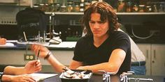 Heath Ledger stabbing a frog, 10 Things I Hate About You