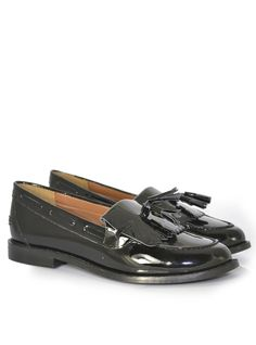 Leah Leather Loafer Product Code: CL5209 £49.99 https://www.stylistpick.com/carlton-london/shoes/leah-leather-loafer-33590