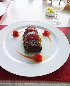 El chef Marco Carvallo capacitando al equipo del @Restaurant San Marino en Puerto Montt, Región de Los Lagos, Chile http://restaurantsanmarino.cl/