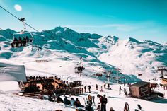 Ski Beat is launching Vegan Weeks this winter in their France-based chalets, joining the growing trend of plant-based holidays and travel. Holidays France, Ski Holidays, Ski Vacation, Dream Vacations, Four Seasons Hotel, Ski Club, French Alps, Winter House, France Travel