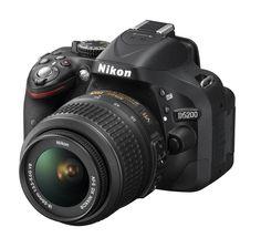 Altro prodotto di Importazione al prezzo più basso solamente per i nostri clienti!!!  Nikon D5200 + vr 18/55 + sd 8gb + mini cavalletto   A   694€  Acquista quì:  http://www.sanmarinophoto.com/page_view.php?style=HOME=PRODOTTO=945=171607_id=VIP-PRICE-nikd5200+55