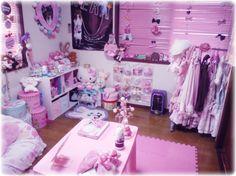 kawaii bedroom with hello kitty theme Decorative Bedroom Girls Bedroom, Bedroom Decor, Hello Kitty House, Japanese Bedroom, Kawaii Bedroom, Hello Kitty Themes, Pastel Room, Pink Room, Asian Home Decor