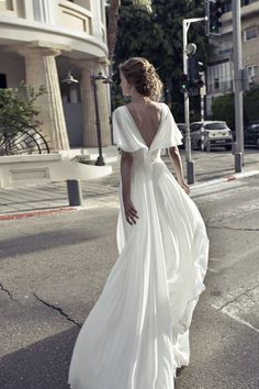 Midsleeve white evening dress with back revealing chiffon dress from Handmade Dress is part of Dresses Since the dress is made according to the picture, the biggest problem is the color difference, - Wedding Dress Chiffon, Best Wedding Dresses, Wedding Gowns, Boho Wedding, Bridal Gowns, Vestidos Chiffon, Evening Dresses, Prom Dresses, Handmade Dresses