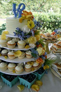 LOVE wedding cake cupcakes