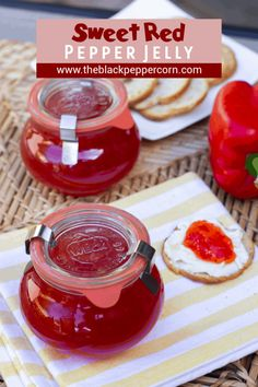 Sweet Red Pepper Jelly Recipe - Easy to make sweet red pepper jelly that is great with crackers and cream cheese. Simple canning with instructions for using the Ball FreshTECH Jam and Jelly Maker. Sweet Red Pepper Jelly Recipe, Pepper Jelly Recipes, Hot Pepper Jelly, Ball Pepper Jelly Recipe, Jam Recipes, Canning Recipes, Tuna Recipes, Brunch Recipes, Jelly Maker