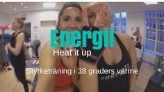 Musik från soundcloud med rätten att spela via youtube - http://ift.tt/qdXal7  Hej fina du! Jag var alltså & besökte Energii i Köpenhamn som är ett super coolt träningsställe med megaformer maskiner samt ett koncept där du tränar i 40 gradersvärme. Älskade den träningsformen & längtar tills den kommer till Sverige.  Förra vloggen tränade jag Kickass reformer pass & nu var det dags för Heat it up styrketräning i 38 graders värme. OMG det var tufft men sååå roligt!   Energii ligger på flera…