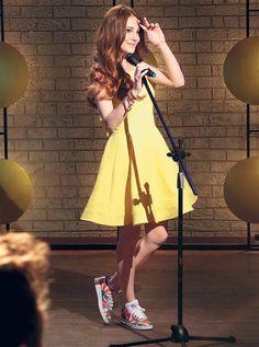 ELÇIN SANGU - 'ELIDOR' COMMERCIAL Turkish Women Beautiful, Turkish Beauty, Beautiful Redhead, Red Hair Freckles, Dark Blonde Hair Color, Red Hair Woman, Elcin Sangu, Prettiest Actresses, Casual Outfits