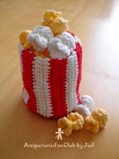 Crocheted by AmigurumisFanClub. Free pattern!!! http://www.beansproutcreations.com/2009/07/09/movie-munchies-popcorn-and-pretzel/