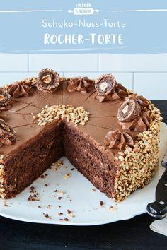 Torta Ferrero Rocher, Rocher Torte, Easy Cake Recipes, Baking Recipes, Naked Cakes, Dessert For Two, Gateaux Cake, Food Cakes, Homemade Cakes