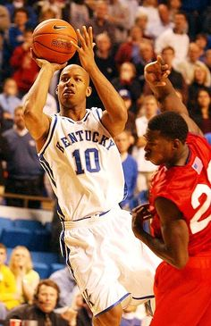 Keith Bogans Kentucky College Basketball, Wildcats Basketball, Basketball Legends, Kentucky Wildcats, College Hoops, Go Big Blue, National Championship, Nba Players
