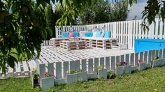 The Backyard Lounge/Party Terrace You Need for Your Summer Pallet Terraces Pallet Patios