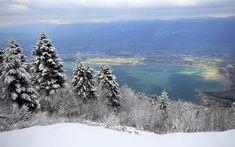Download wallpapers Lake Bourget, Lac du Bourget, Grey Lake, winter, snow, mountain landscape, Savoie, France