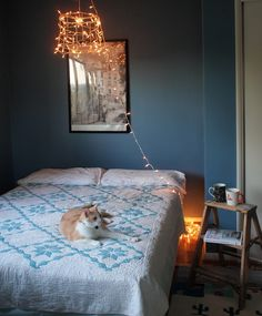 Hang your lamp. | 23 Hacks For Your Tiny Bedroom
