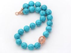 Turquoise jewelry is very beautiful. Girls love turquoise necklac and I will show you some that in the series of jewelry 2013. You will love them.